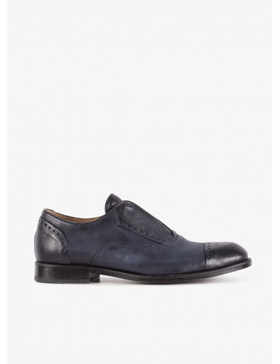 John Barritt man shoes, without shoelace, in leather, rubber sole. Color blue. Composition 100% lamb leather. Blue