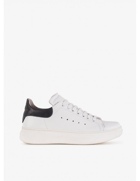 John Barritt man sneakers, in leather with contrast details, rubber sole. Color white. Composition 100% lamb leather. White