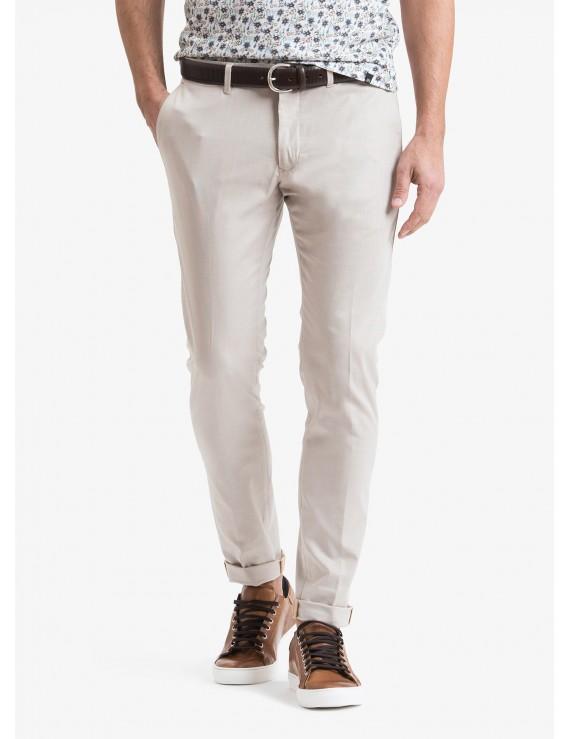 John Barritt man chinos, slim fit, in stretch cotton fabric. Composition 98% cotton 2% elastane. Beige