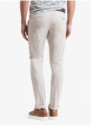 John Barritt man chinos, slim fit, in stretch cotton fabric. Composition 98% cotton 2% elastane. Beige