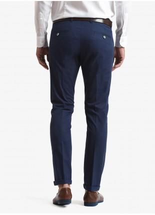 Pantalone chinos uomo John Barritt, vestibilita slim, tessuto in cotone stretch. Composizione 98% cotone 2% elastan.  Sky Blue