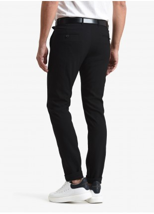John Barritt man chinos, slim fit, polyester/viscose fabric with natural stretch. Color black. Composition 43% viscose 42% polyester 15% polyamide. Nero