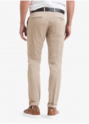 John Barritt man chinos, slim fit, in stretch cotton fabric, garment dyed. Composition 98% cotton 2% elastane. Medium Beige