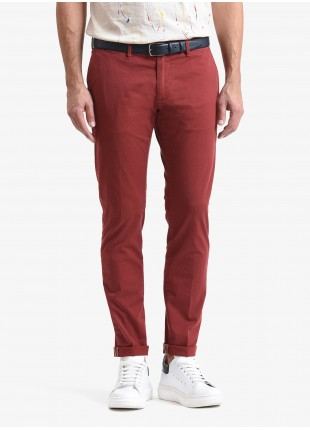 John Barritt man chinos, slim fit, in stretch cotton fabric, garment dyed. Composition 98% cotton 2% elastane.  Light Red