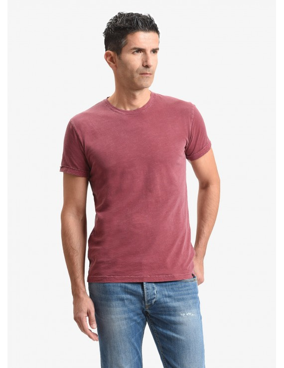 John Barritt man t-shirt, slim fit, crew neck, in flamed cotton jersey, color red. Composition 100% cotton. Red Malboro Classic