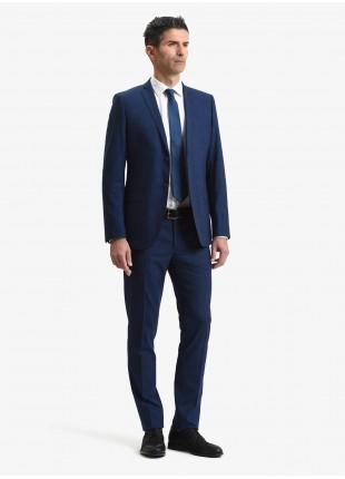 Abito uomo primavera-estate John Barritt vestibilita slim, due bottoni, due spacchi e amf. Lunghezza giacca 74 cm. Tessuto in poliestere/viscosa con micro fantasia. Colore blu. Composizione 76% poliestere 22% viscosa 2% elastan. Sky Blue