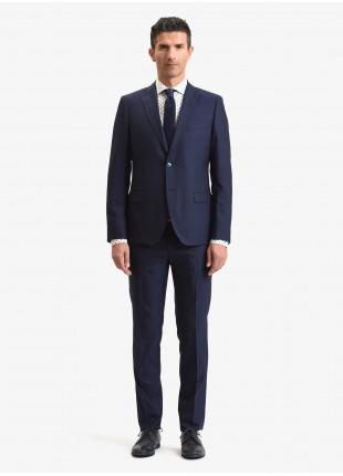 Abito uomo primavera-estate John Barritt vestibilita slim, due bottoni, due spacchi e amf. Lunghezza giacca 72 cm. Tessuto in misto lana con micro struttura. Colore blu. Composizione 70% lana 30% poliestere. Blue