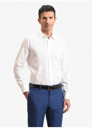 Camicia uomo John Barritt, vestibilita slim, mezzo collo francese, tessuto in cotone oxford, colore bianco. Composizione 100% cotone. White