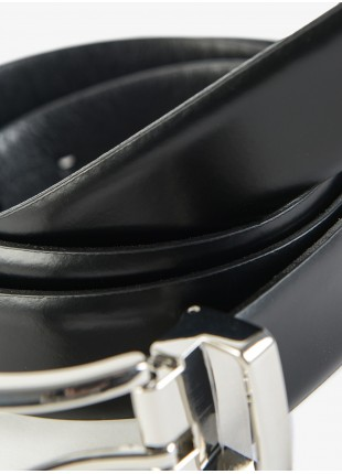 John Barritt man belt, adjustable, height 3 cm, in brushed leather, color black. Shiny nikel metal buckle. Composition 100% lamb leather. Nero