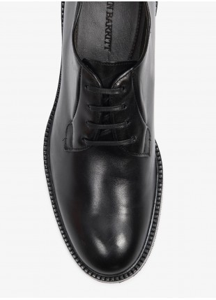 John Barritt man low lace-up shoes, oxford style, in real leather, color black. Rubber sole. Composition 100% lamb leather. Nero