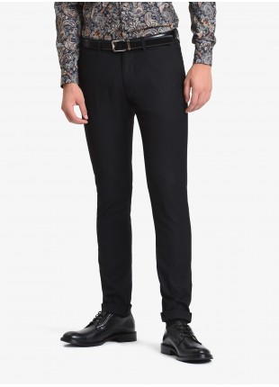 John Barritt man chinos, slim fit, slant side pockets on front and welt pockets with buttons on back. Polyester/viscose stretch fabric. Color black. Composition 75% polyester 23% viscose 2% elastane. Nero