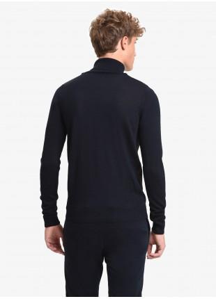 Maglia uomo John Barritt vestibilita slim, dolcevita, fantasia jacquard sul davanti. Colore blu/marrone. Composizione 50% lana 45% acrilico 5% seta. Blue
