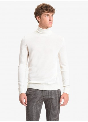 John Barritt man turtle neck sweater, slim fit, pure wool yarn, garment-dyed, color blue. Composition 100% wool. White