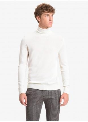 Maglia uomo John Barritt vestibilita slim, dolcevita, filato in lana merino tinto in capo, colore white. Composizione 100% lana. White
