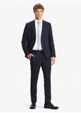 John Barritt man suit, slim fit, two buttons, double vent and amf. Lenght jacket 72 cm. Mixed wool stretch fabric. Color blue. Composition 60% wool 38% polyester 2% elastane. Blue