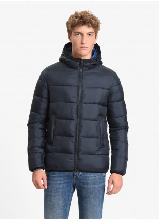 John Barritt man padded jacket with synthetic filling, frontal closure by zip, two frontal zip pockets, adjustable hood. Green color outside and rust color inside. Composition 100% polyester. Blue