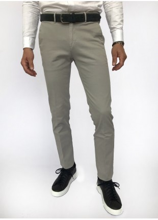 Man chinos pants, slim fit, in stretch cotton fabric, garment dyed . Light grey colour. Composition 97% cotton 3% elastane. Gray Middle Kingdom