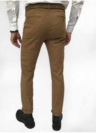Man chinos pants, slim fit, in stretch cotton fabric, garment dyed . Caramel brown colour. Composition 97% cotton 3% elastane. Dark Brown