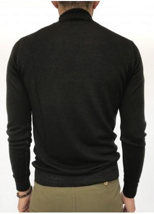 Sweater: Merino wool turtleneck , 14gg, garment dyed, burgundy/brown colour. 100%WOOL Nero