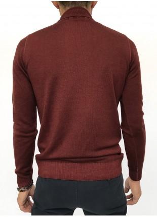 Sweater: Merino wool turtleneck , 14gg, garment dyed, burgundy/brown colour. 100%WOOL Bordeaux