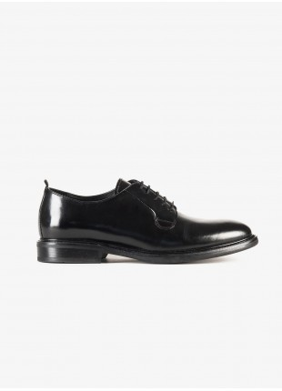 John Barritt man low lace-up shoes, smooth finish, color black. Composition 100% lamb leather. Nero