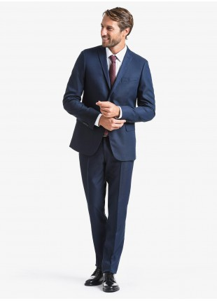John Barritt fall-winter man suit, slim fit, two buttons, double vent and amf. Lenght jacket 72 cm. Polyester/viscose stretch fabric. Composition 82% polyester 16% viscose 2% elastane. Bluette